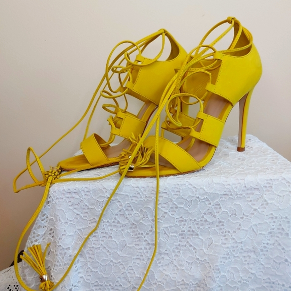 Aldo Yellow strap up to the calf size 6